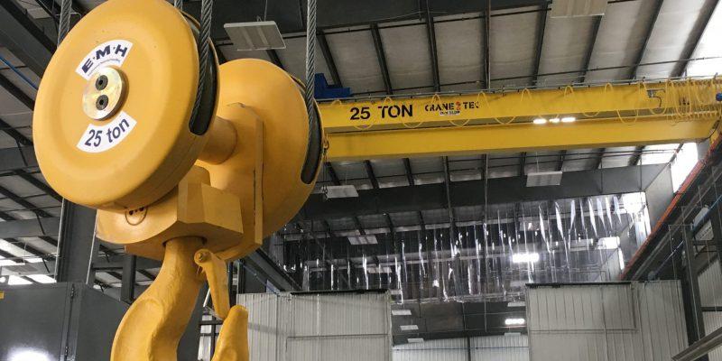 crane close 2